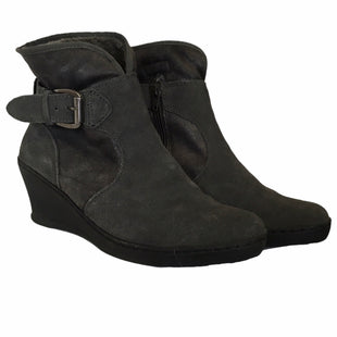 Primary Photo - BRAND: BARE TRAPS STYLE: BOOTS ANKLE COLOR: GREY SIZE: 9 SKU: 283-283133-15491