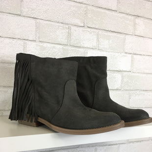 Primary Photo - BRAND:    CLOTHES MENTOR STYLE: BOOTS ANKLE COLOR: GREY SIZE: 9 OTHER INFO: COOL WAY  - SKU: 283-283135-3423