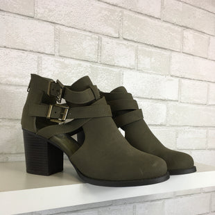 Primary Photo - BRAND:    CLOTHES MENTOR STYLE: BOOTS ANKLE COLOR: GREEN SIZE: 8 OTHER INFO: CAMBRIDGE SELECT  - AS IS SKU: 283-28388-14094