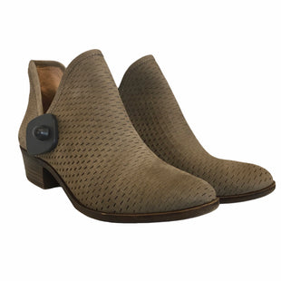 Primary Photo - BRAND: LUCKY BRAND STYLE: BOOTS ANKLE COLOR: TAUPE SIZE: 9 SKU: 283-283142-2242