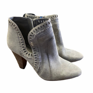 Primary Photo - BRAND: VINCE CAMUTO STYLE: BOOTS ANKLE COLOR: GREY SIZE: 7.5 SKU: 283-28388-19724