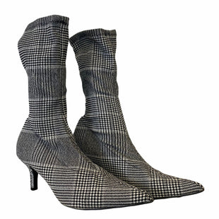 Primary Photo - BRAND: MOSSIMO STYLE: BOOTS ANKLE COLOR: PLAID SIZE: 7 SKU: 283-283124-22733