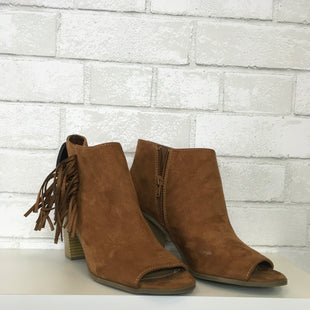 Primary Photo - BRAND: NEW DIRECTIONS STYLE: SHOES LOW HEEL COLOR: BROWN SIZE: 8.5 SKU: 283-283149-4903