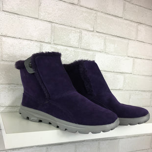 Primary Photo - BRAND:    CLOTHES MENTOR STYLE: BOOTS ANKLE COLOR: PURPLE SIZE: 8.5 OTHER INFO: GOGAMAT - SKU: 283-283142-1617