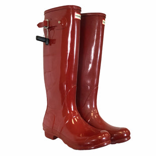Primary Photo - BRAND: HUNTER STYLE: BOOTS DESIGNER COLOR: RED SIZE: 8 OTHER INFO: AS IS SKU: 283-283133-17045