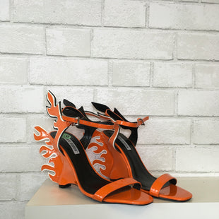 Primary Photo - BRAND:    CLOTHES MENTOR STYLE: SANDALS LOW COLOR: ORANGE SIZE: 8.5 OTHER INFO: CAPE ROBBIN - SKU: 283-283149-4162