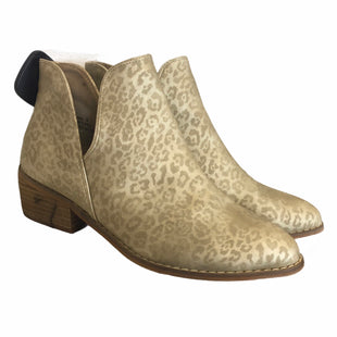 Primary Photo - BRAND: CORKYS STYLE: BOOTS ANKLE COLOR: GOLD SIZE: 9 SKU: 283-28388-24460