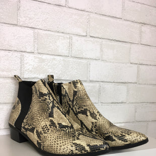 Primary Photo - BRAND:    CLOTHES MENTOR STYLE: BOOTS ANKLE COLOR: SNAKESKIN PRINT SIZE: 8.5 OTHER INFO: PARKER AND SKY - SKU: 283-28388-15126