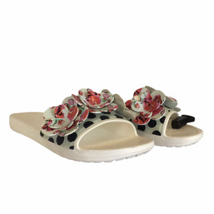 Primary Photo - BRAND: CROCS STYLE: SANDALS FLAT COLOR: WHITE SIZE: 8 SKU: 283-283148-1505