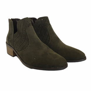Primary Photo - BRAND: NEW DIRECTIONS STYLE: BOOTS ANKLE COLOR: GREEN SIZE: 9 SKU: 283-283142-2247