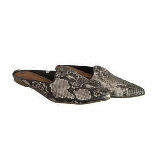 Primary Photo - BRAND: UNIVERSAL THREAD STYLE: SHOES FLATS COLOR: SNAKESKIN PRINT SIZE: 10 SKU: 283-28388-16197