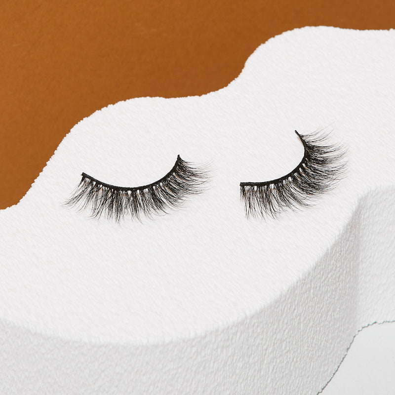 Amber Strip Eyelashes