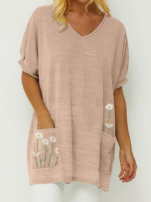 Loose cotton and linen V-neck t-shirt for women with a daisy pattern