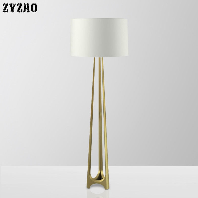 Luxury Creative Simple Modern Floor Lamp Model Room Tripod Bedroom Bedside Study Stand Light Free Standing Lamps for Living Room