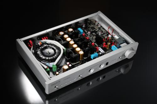 Questyle CMA 800i  Headphone Amplifier/DAC- Silver