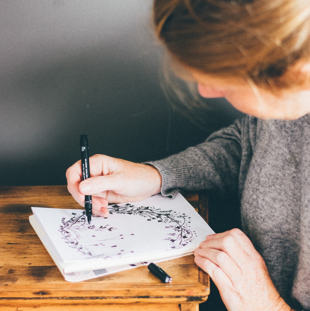 Helen Round illustrating, forming part of the Christmas Collection