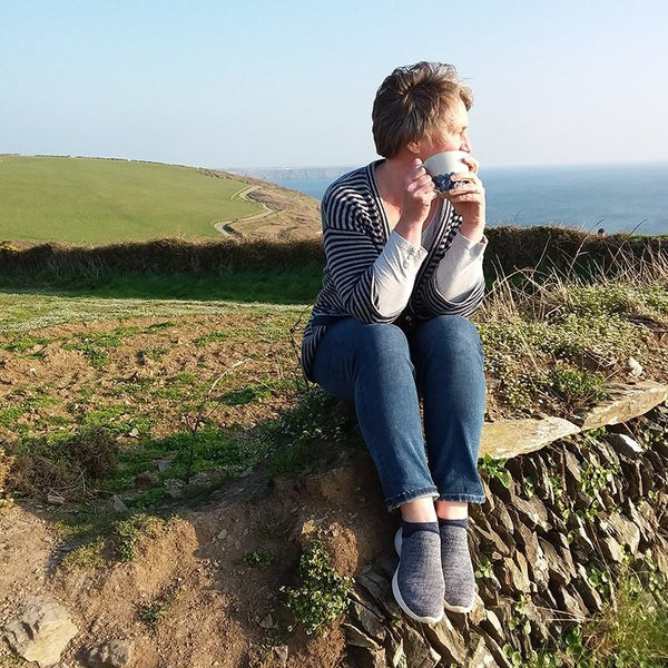 Cornish Potter Julie Crimmen in the Countryside