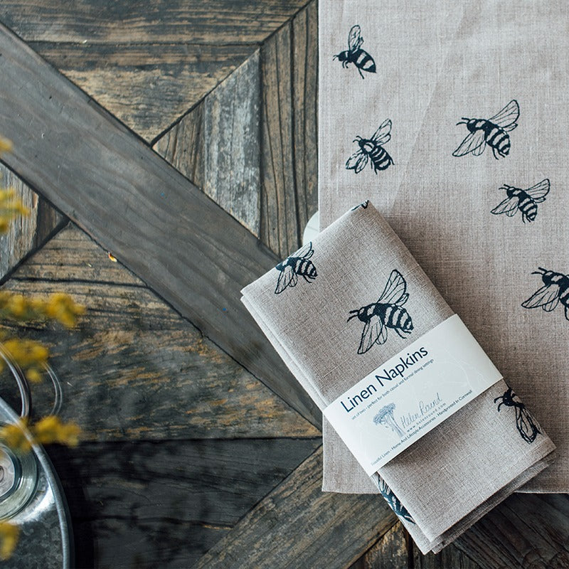 bee design natural linen bee napkins