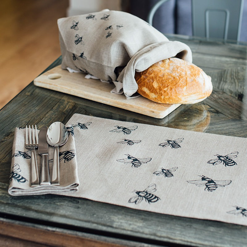 bee napkins in natural linen bee design