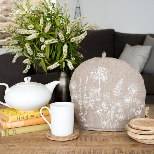Garden collection linen tea cosy in natural