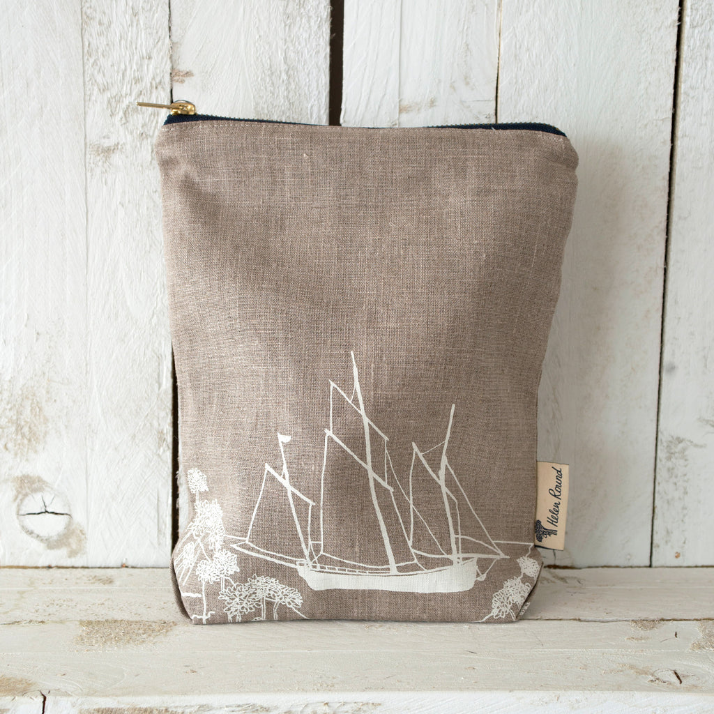 Linen toiletry bag from the coastal collection in the colour natural