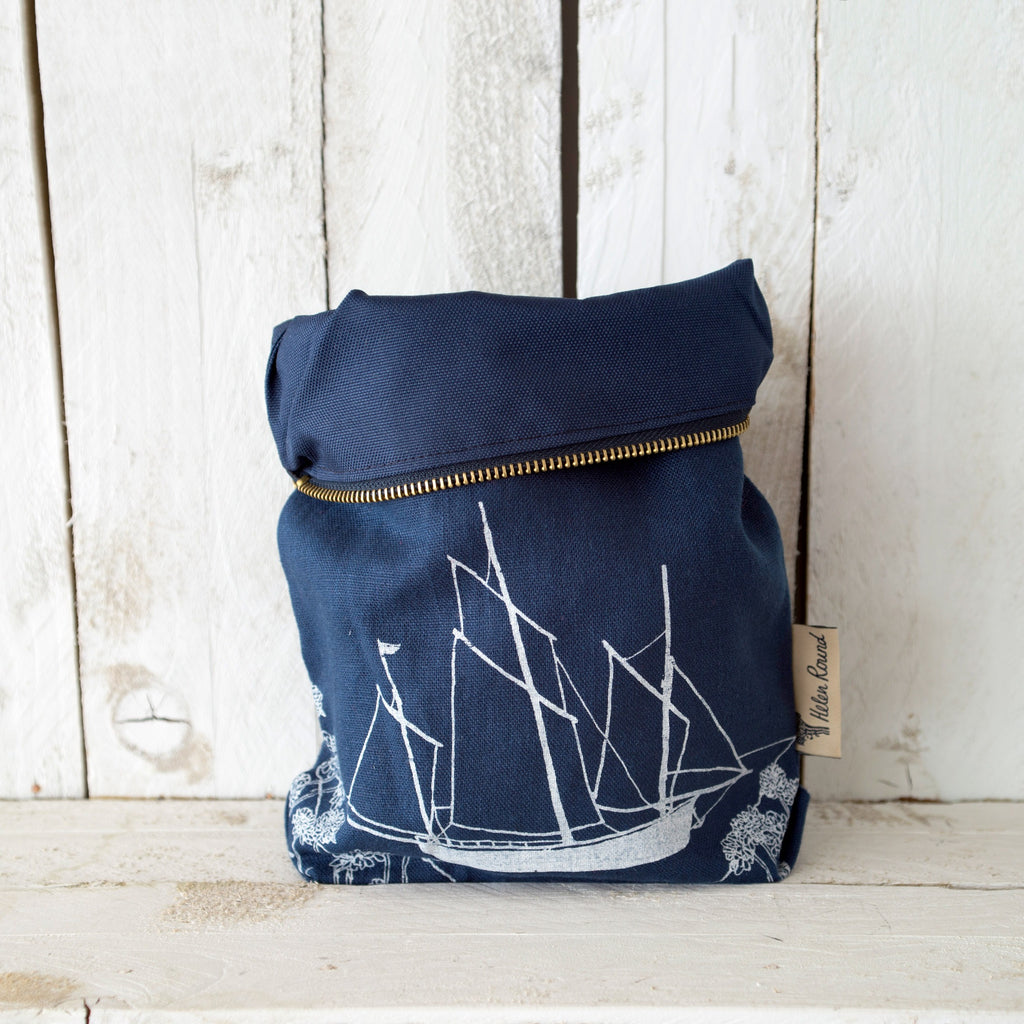 Linen toiletry bag from the coastal collection in the colour navy blue