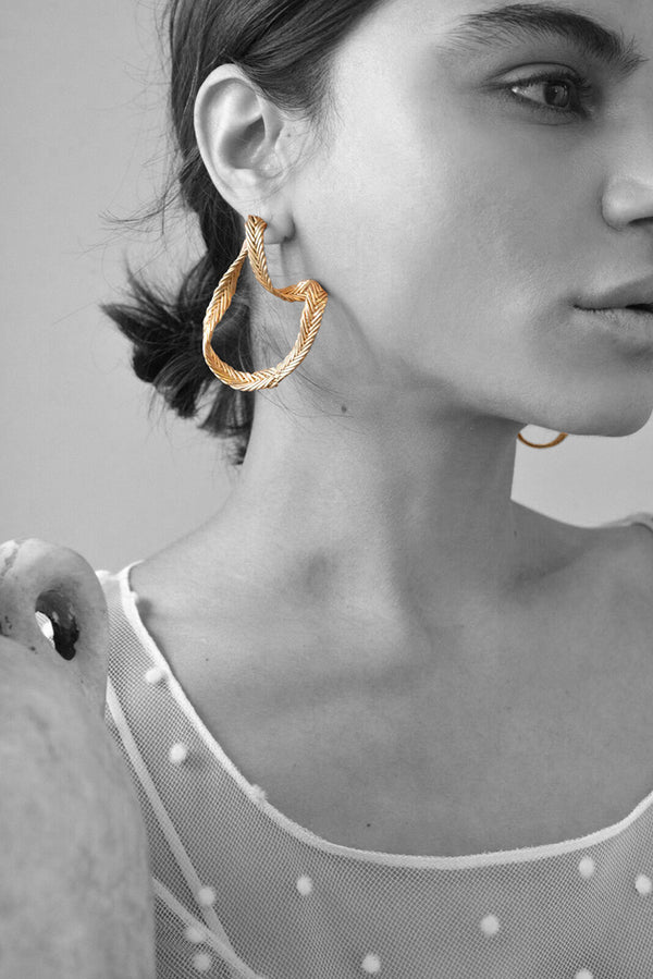 MARGUERITE DROP EARRINGS
