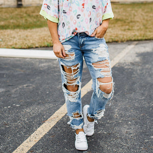 Lady's ripped jeans