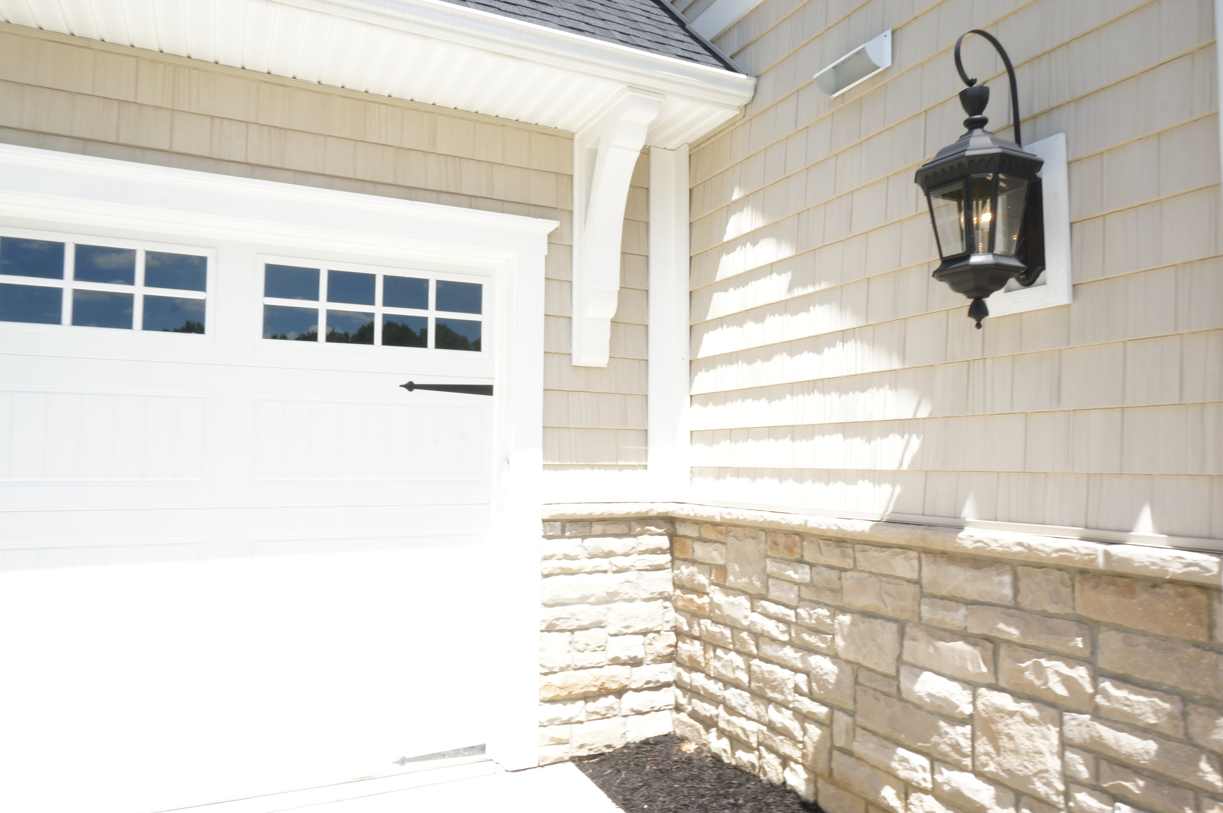 Laura of Pembroke Exterior Lighting