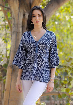 Fiona top - Blue orchid fra Farmhousedesign.no