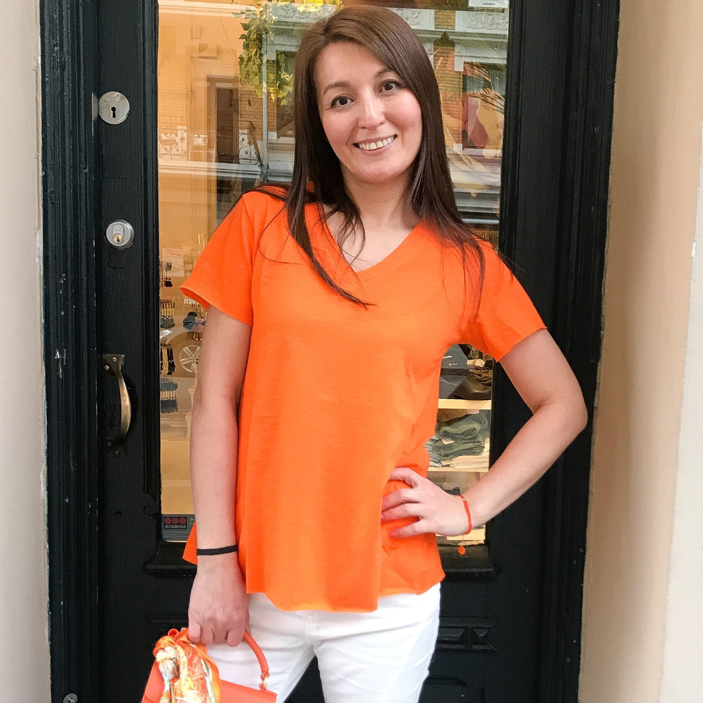 Fanny T-skjorte - Hot orange fra Farmhousedesign.no