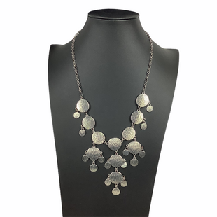 Primary Photo - BRAND:    CLOTHES MENTOR STYLE: NECKLACE COLOR: SILVER SKU: 160-160218-1663