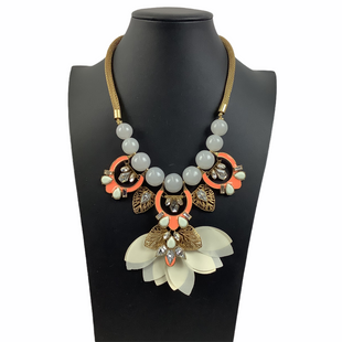 Primary Photo - BRAND:   CMC STYLE: NECKLACE COLOR: MULTI OTHER INFO: BAUBLEBAR - SKU: 160-160228-4628