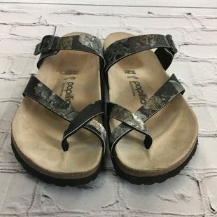 Primary Photo - BRAND: PAPILLION STYLE: SANDALS FLAT COLOR: GREY SIZE: 8.5 SKU: 160-160124-18186