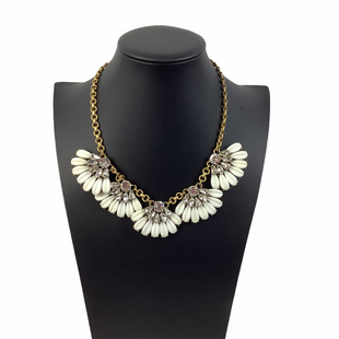 Primary Photo - BRAND: J CREW STYLE: NECKLACE COLOR: WHITE SKU: 160-160218-3317