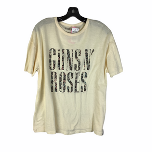 Primary Photo - BRAND:    CLOTHES MENTOR STYLE: TOP SHORT SLEEVE BASIC COLOR: CREAM SIZE: M OTHER INFO: GUNS AND ROSES - SKU: 160-160197-18979