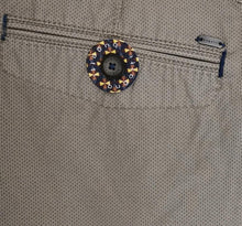 Load image into Gallery viewer, Bugatti - Bermuda Shorts Beige With Micro Dot Print