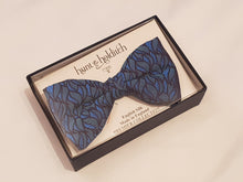 Load image into Gallery viewer, Premium Silk Bow Tie Blue/Green Pattern