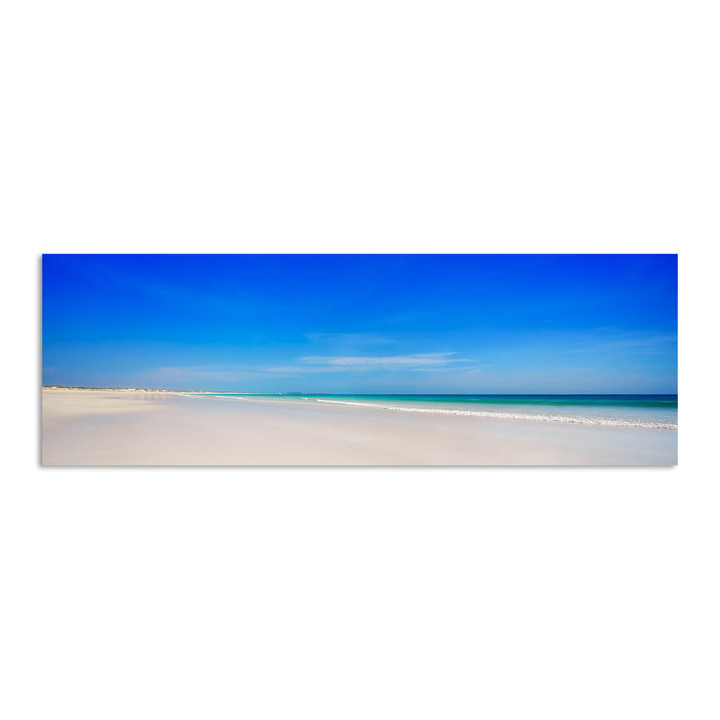 Blue skies at Cable Beach in Broome, Western Australia