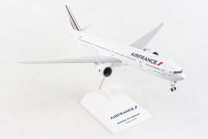 Skymarks Air France Boeing B777-300ER 1:200 Scale W/Gear SKR653 With Stand