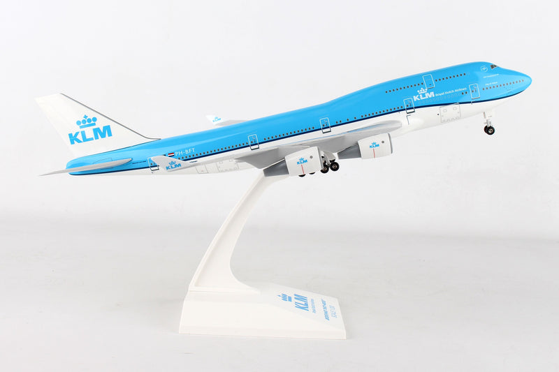 Skymarks KLM Boeing B747-4001:200 Scale W/Gear SKR940 With Stand