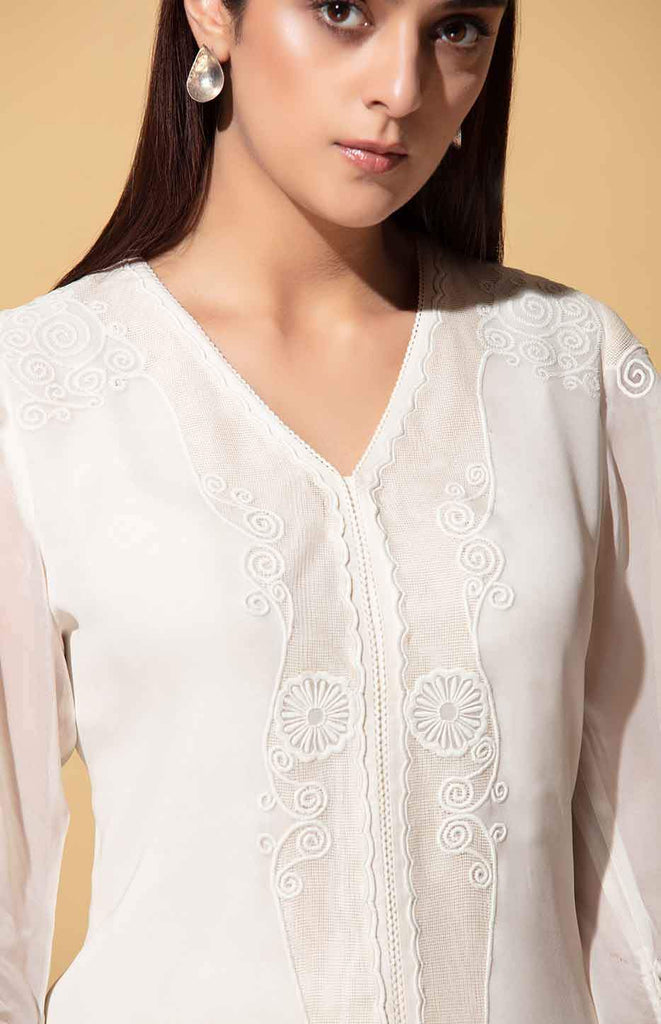 Iqhwa Ivory blouse in Georgette