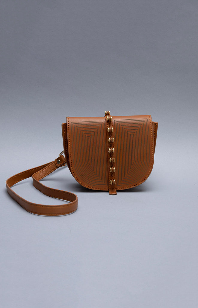 Oyisa Tan Sling Bag