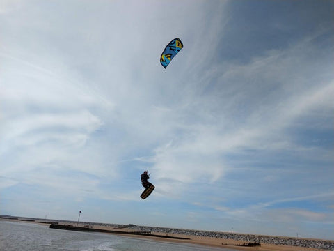 Blade kitesurfer getting air