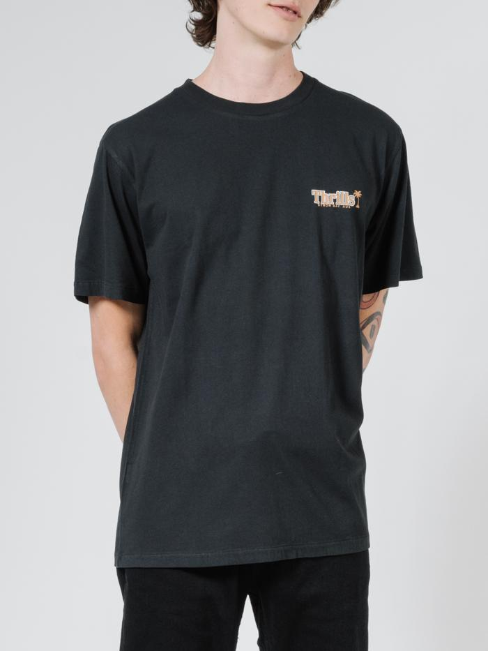 SERIF MERCH FIT TEE