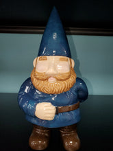 Load image into Gallery viewer, Ginormagnome Gnome