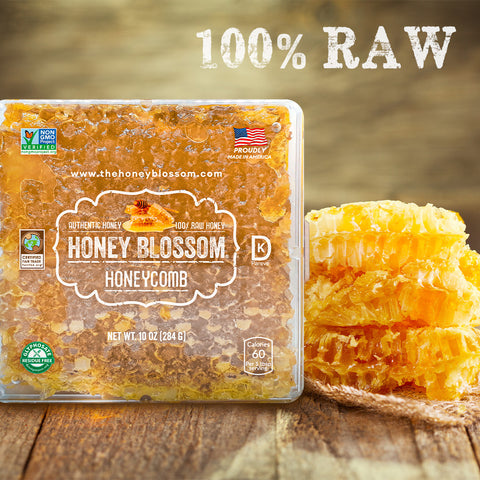 """the USA Honeycomb, with 3 honeycombs on the right, on a wooden table, a title that says """"100% RAW"""" and a button that says: Buy Now."""