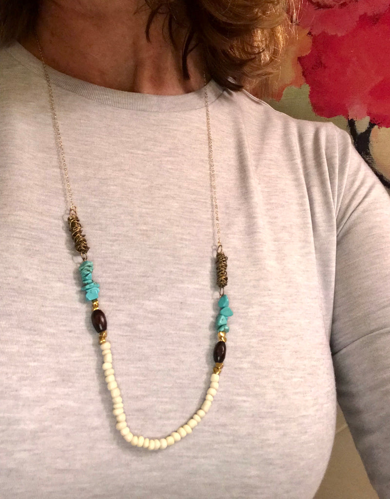 Suspended Turquoise Chips Necklace