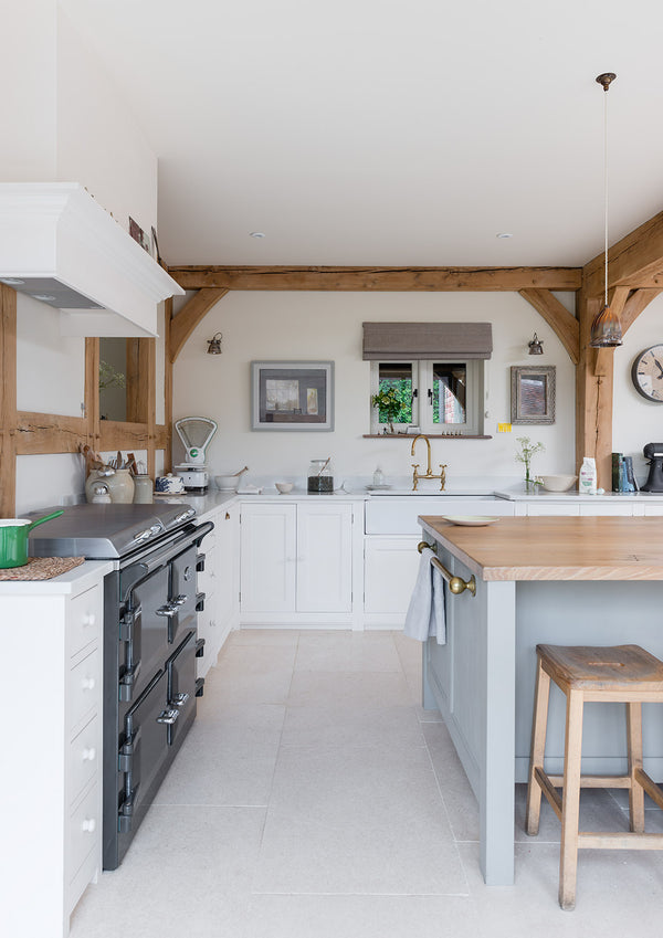 Here's how to get the British country kitchen look - www.lovetohome.co.uk -Photo credit @merryminvera and @border_oak via Instagram https://www.borderoak.com/