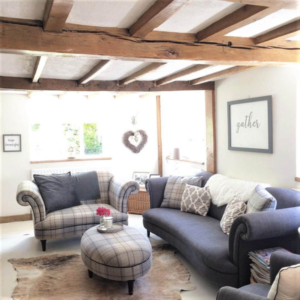 Living room furniture: would you renovate a listed property? Amanda did. Find out how she got in here on www.lovetohome.co.uk - Photo credit: with permission from @theoldforgecottage